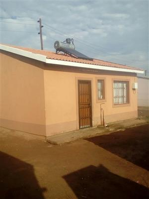 EVATON 4 ROOMS HOUSE FOR SALE