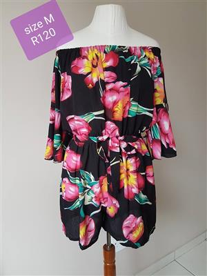 Medium black floral 1 piece top shorts