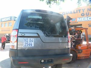STRIPPING THIS LAND ROVER DISCOVERY 4 2011