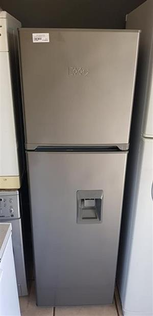 Selling a KIC 256L metallic fridge