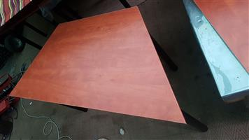 Trapezoidal tables 1400 x 700 x 600 mm wide