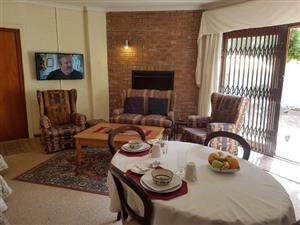 SOMERSET WEST ACCOMMODATION – SELF-CATERING UNIT TO RENT