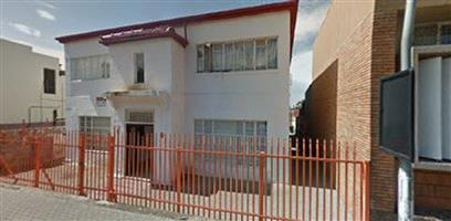 Spacious 2 Bed flat to rent in Rosettenville