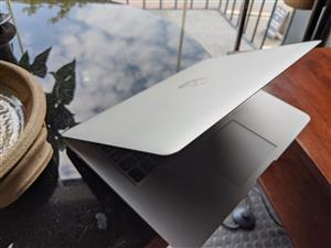 Macbook Air 13 inch - Good Condition