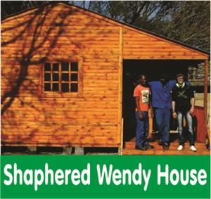 Shaphered Wendy House : Log Cabins