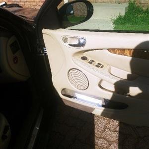 2006 Jaguar X-Type 2.0 V6 SE automatic