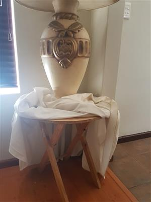 Beautiful lamp with 3 tables for sale