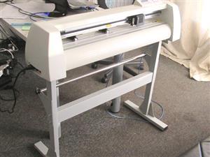 V-1128 V-Series High-Speed USB Vinyl Cutter, 1120mm Working Area, In-house VinylCut