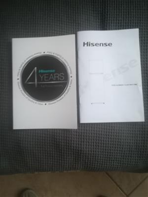 220 L HISENSE Metallic silver freezer fridge combo. 1 week old with 4 year Gaurantee