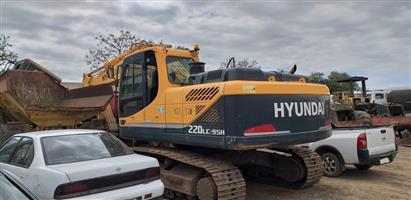 Hyundai 220LC-9SH Robex Excavator