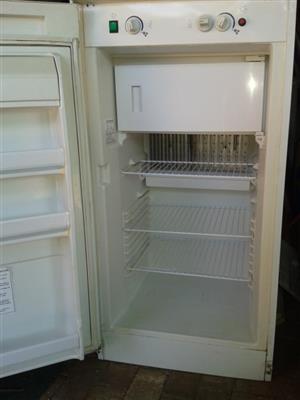 Gas fridge 180 litres