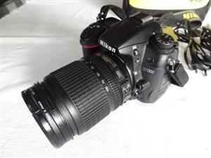 Nikon D7000 Professional DSLR with 18-105mm VR