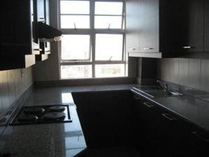 Kensington 1 bedroom flat to rent for R3200, lounge , kitchen, bathroom, toilet with secure parking. Good accommodation for newly family of 1 kid.