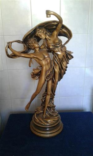 Lovers statue for sale