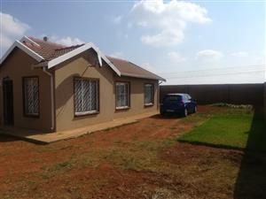Empty and available 3 bedroom house in protea glen ext 29..