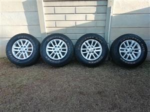 Toyota twin spoke rims with tyres