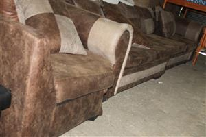 S034175B Brown L-shaped couch #Rosettenvillepawnshop