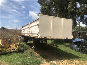URGENT SALE ! Single axle drop side trailer !