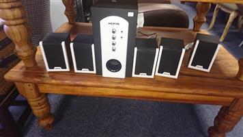 Harwa speaker and subwoofer set