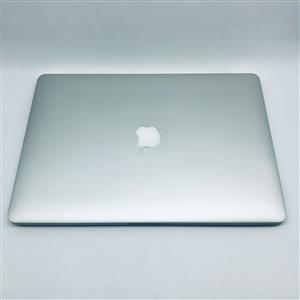 Apple MacBook Pro 15-inch 2.2GHz Quad-Core i7 (Retina, 256GB, Silver) - Pre Owned