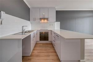 Luxury and Affordable 2 beds/2 baths flat in Kenilworth Upper