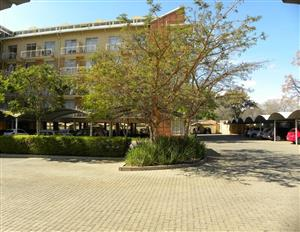 Neat 2 bedroom apartment safe walking distance from TUKS, Hatfield