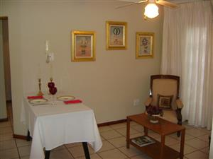 PRETORIA NORTH - ABOVE BERG AVENUE 1 BEDROOM GARDEN FLAT ACCOMODATION FOR SINGLE PERSON / STUDENT