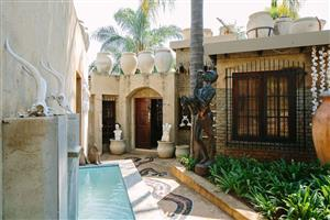 Hartybeespoortdam. Beautiful. Very profitable Boutique Guest House For sale.