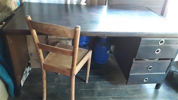 Desk for sale 1.6×.800