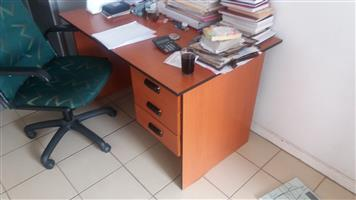 Office chairs and desk