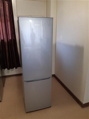 Hisense 271 litres fridge freezer