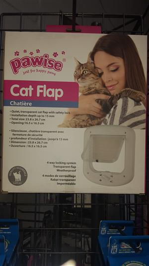 Cat door flaps available at PETS4LIFE BRACKENFELL