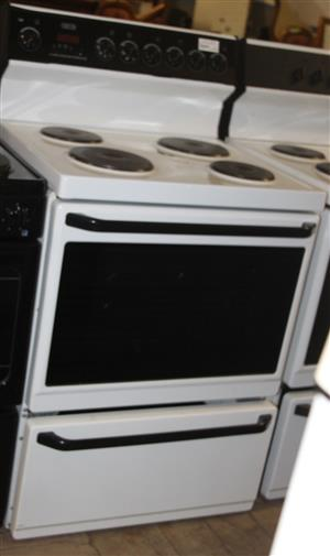 Defy 4 plate stove with oven S031099A #Rosettenvillepawnshop
