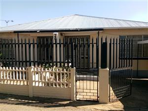 Beautiful 2 bedroom house available in Bezvalley 01/10/2019