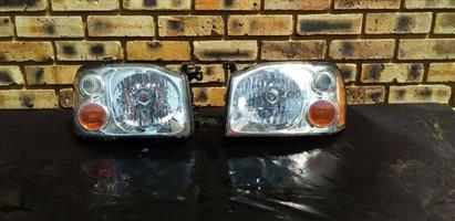 Nissan Hardbody Np300 headlights