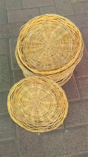 Woven paper plate holders for sale