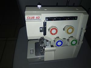 Selling a ELNA club 4D four thread overlocker sewing machine R1250 etc  heavy duty, semi industrial sewing machine.