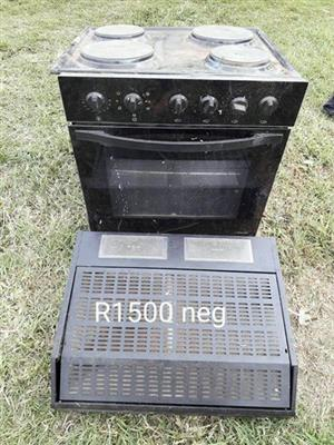 4 Plate stove and oven with extractor