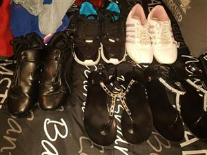 Various tekkies and sandals for sale