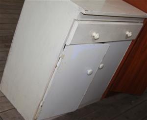 S034772B 2 Door brown cupboard #Rosettenvillepawnshop