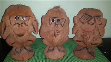 "Three wise carved coconut monkeys""see no evil ,hear no evil,speak no evil"" in very good condition"