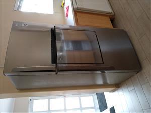 LG Refrigerator/Freezer 507Litres