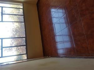 MainbedRoom to rent in Pretoria Central