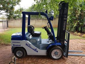 34. VerticalZA Toyota Forklift - 4m 3ton diesel forklift elevation unit
