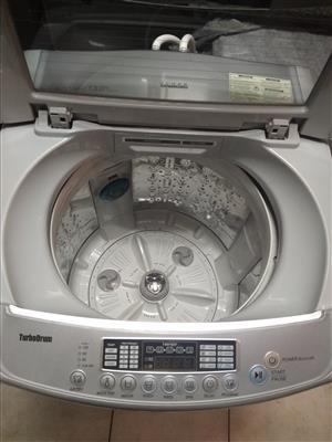 LG Fuzzy Logic 13 kg top loader washing machine