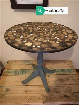 Rock top round table for sale