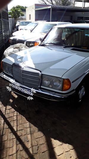 1984 Mercedes Benz 200E