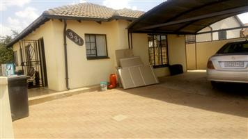 3bed house 2 rent lotus jalapeño R6000