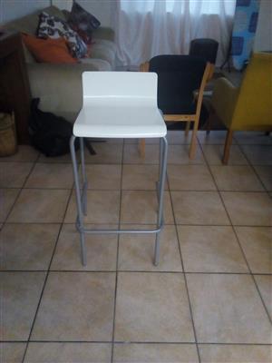BIG BUM Bar Chair- White