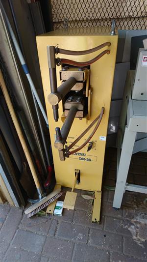 Daikatsu DN-25 spot welder